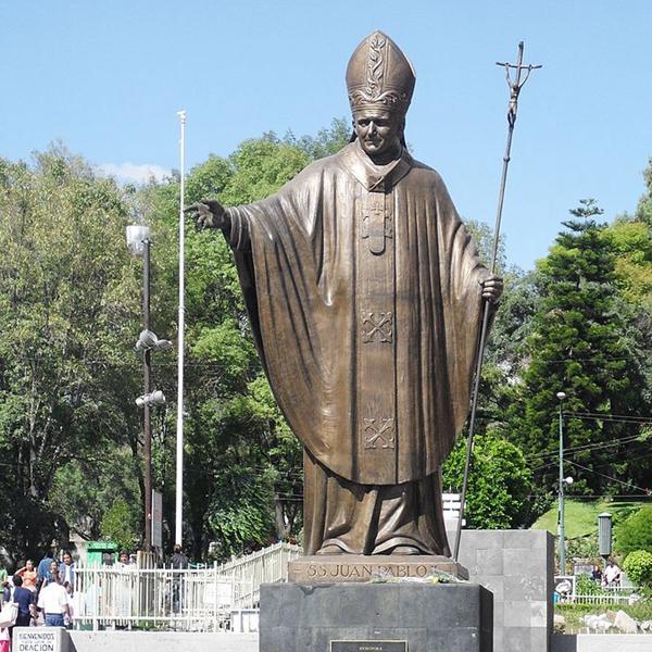 saint Pope statue