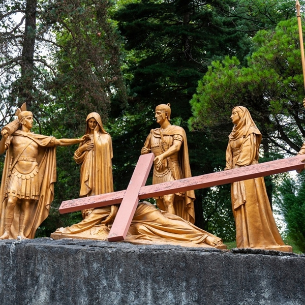 Stations of the Cross bronze statue