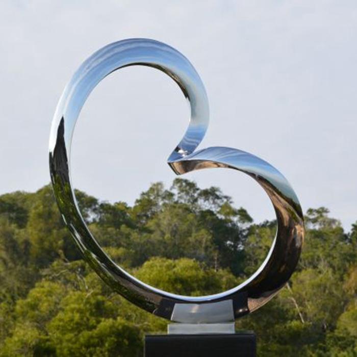 heart-shaped sculpture