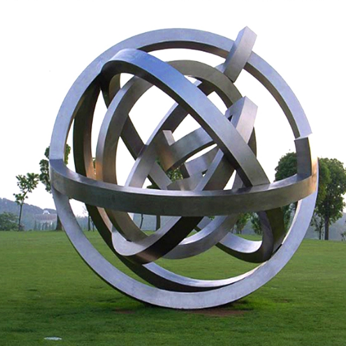 solid rings mirror statue