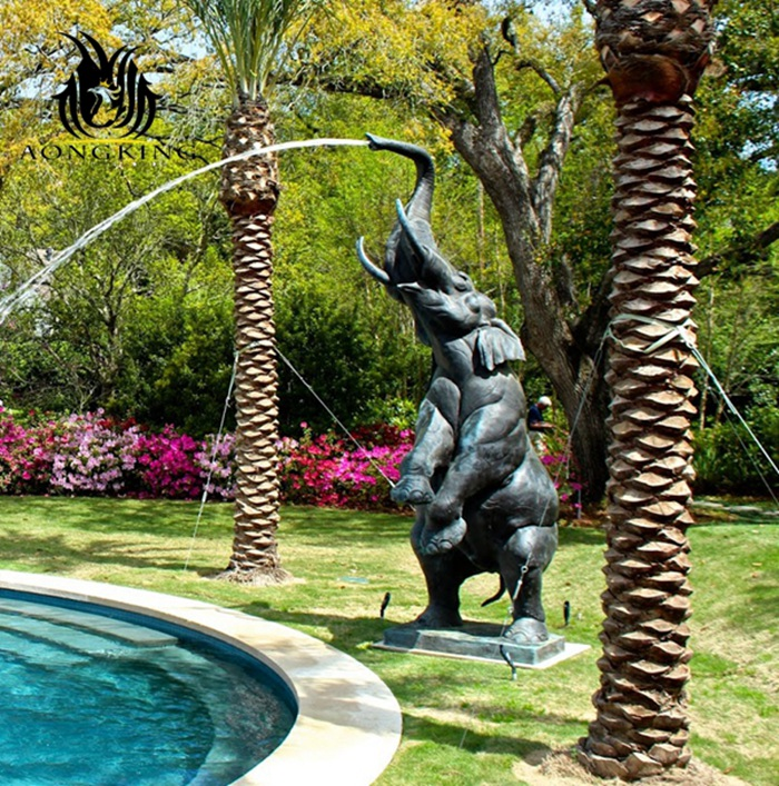 elephant fountain statue