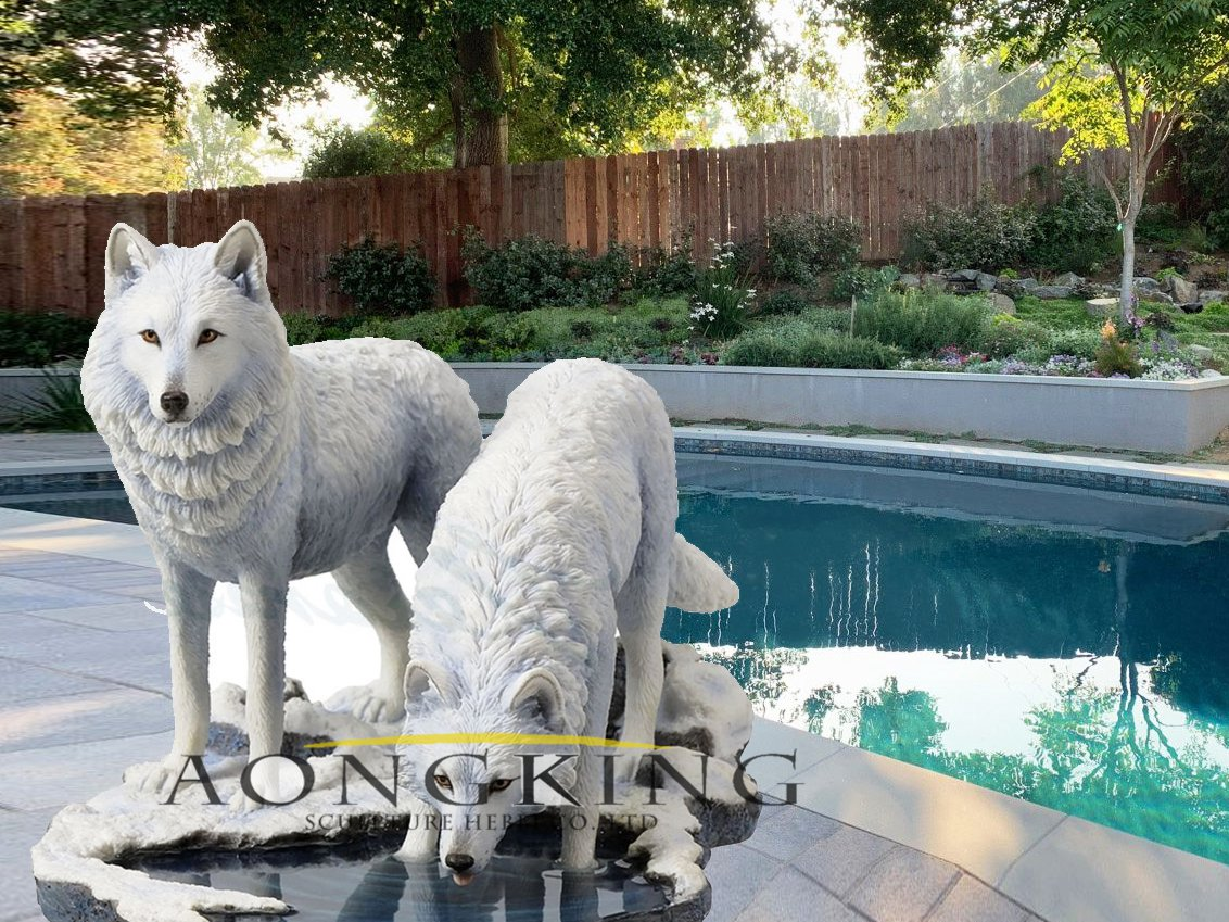 Resin wolf statue