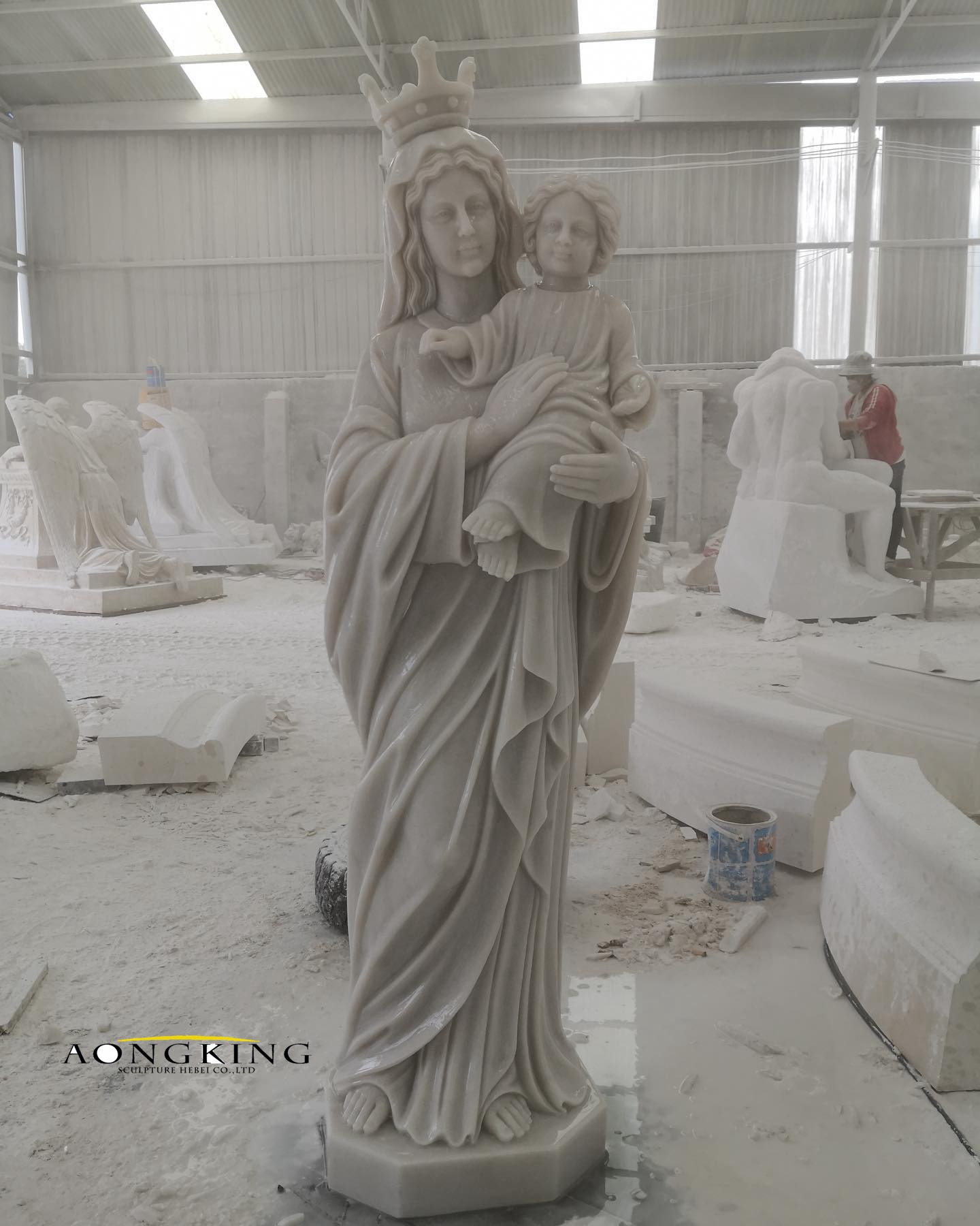 Marble garden mary statue with baby jesus
