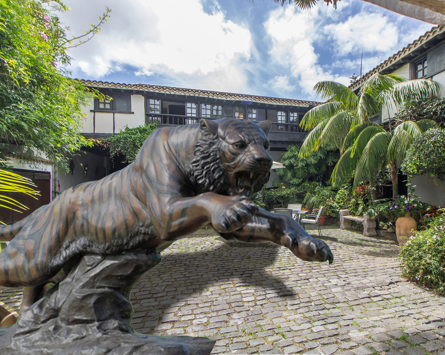 tiger animal statues