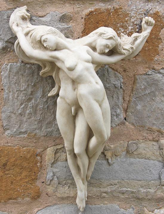 lovers wall sculpture ornamnet