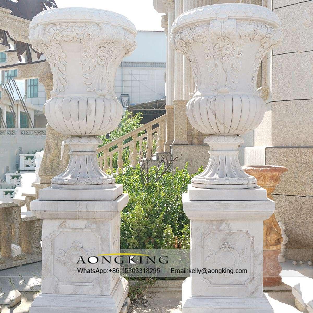 large modern garden sculptures